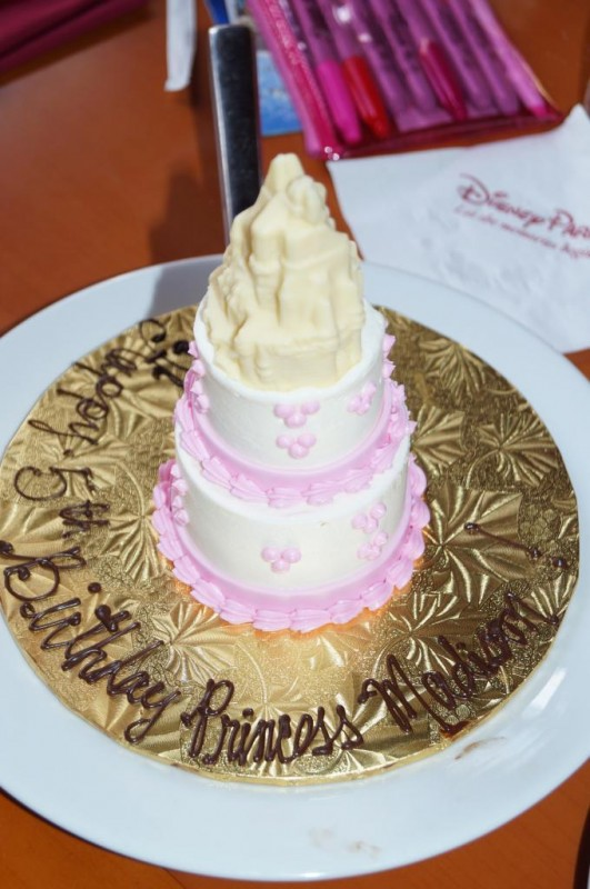Disney Birthday Cakes - theDIBB